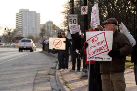 Protest against Niagra to Toronto freeway - Photo courtesy nohighway.blog.com