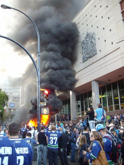 Car burns outside Canada Post building, June 15, 2011
