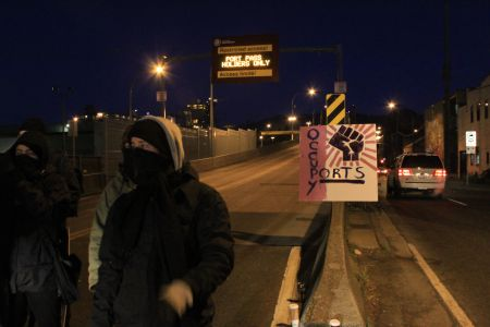 Community Solidarity Picket Blocks Access to Port Of Vancouver