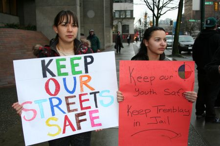 Aboriginal youth and women rally at bail hearing of sex offender Martin Tremblay. Photo: Sandra Cuffe