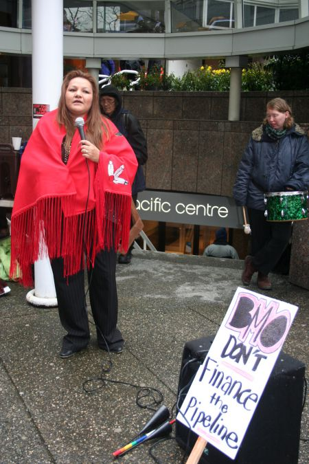 Yinka Dene Alliance spokesperson Geraldine Thomas-Flurer addresses the support rally after the BMO meeting. Vancouver, March 22, 2011. Photo: Sandra Cuffe