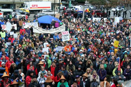 Despite the rain, hundreds rallied against oil pipelines and tankers at the Art Gallery. Vancouver, March 26, 2012. Photo: Sandra Cuffe