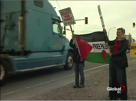 Activists Protest Zim Cargo Ship at Deltaport, Call for a Boycott of Israeli Shipping