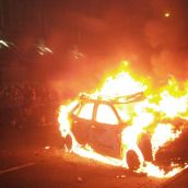 Vancouver Police Chief, media commentators blame 'anarchists' for Stanley Cup riot