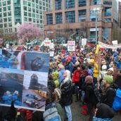 Hundreds Rally Against Enbridge Oil