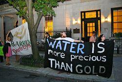 Water is more precious than gold, Agua vale mas que el oro