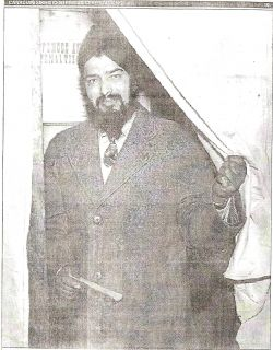 A Sikh exercising his right to vote after winning the franchise on April 2, 1947